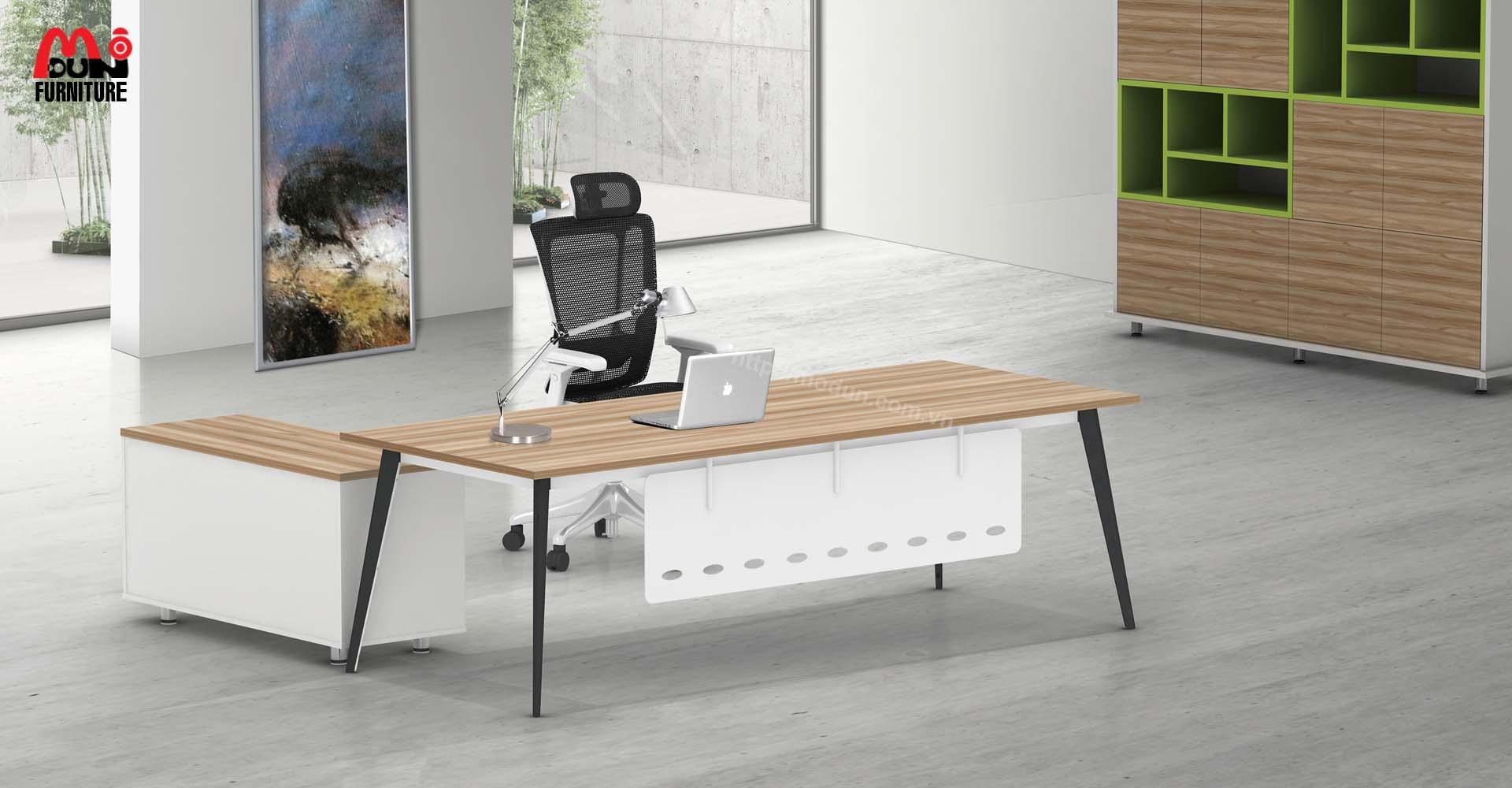 Bàn Chân Sắt MD91 Executive Desk