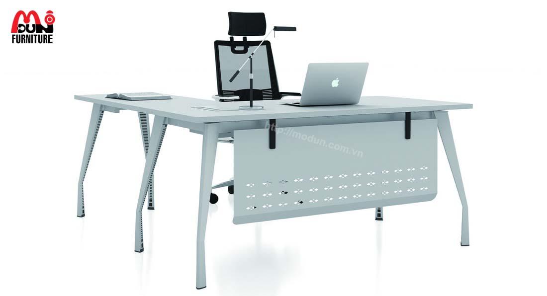 Bàn Chân Sắt MD98 Executive Desk
